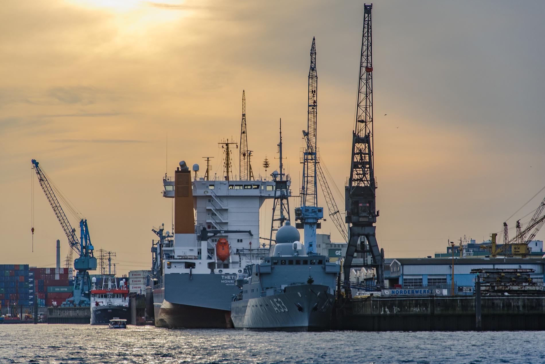 Cómo encontrar las mejores ofertas de viajes en barco de carga o viajes de carga
